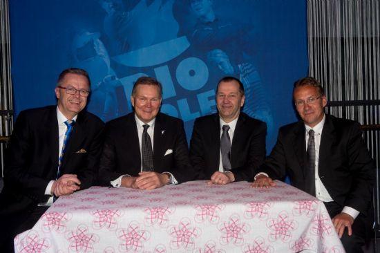 Kuvassa allekirjoittajat vas. Petri Peltoniemi (Suomen Golfliitto, toiminanjohtaja), Timo Laitinen (Suomen Golfliiton hallituksen pj), Petri Granat (StLG, ry:n pj) ja Mecki Kåhre (StLG, toimitus/toiminnanjohtaja)